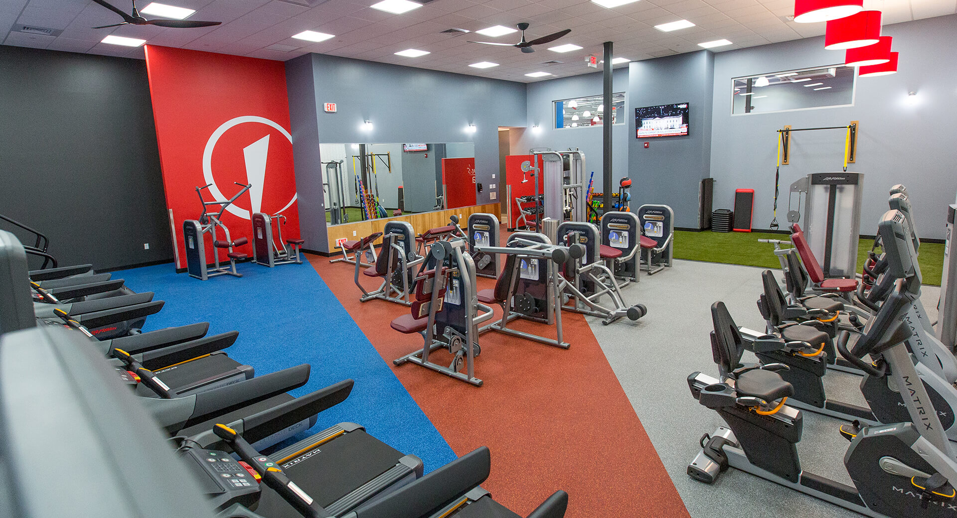 Womens fitness facilities: ladies only gym area edge fitness clubs